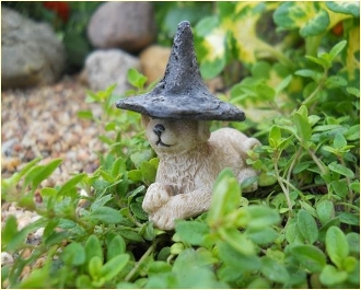 Witch Hat for Fairy or Pet (shown of Waggs)